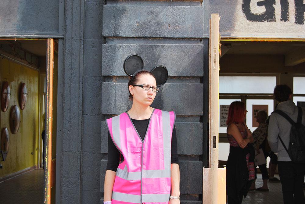 banksy-dismaland-staff-dismal-pics
