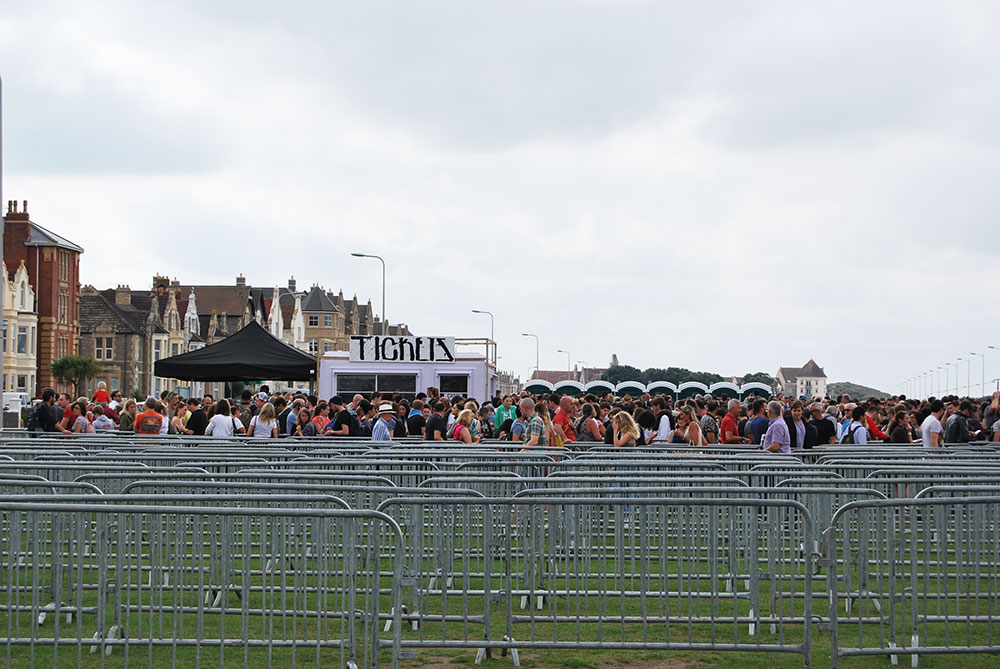 Oustide dismaland in queues
