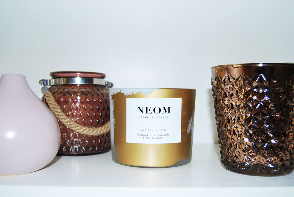 neom-christmas-candle-shelf-styling