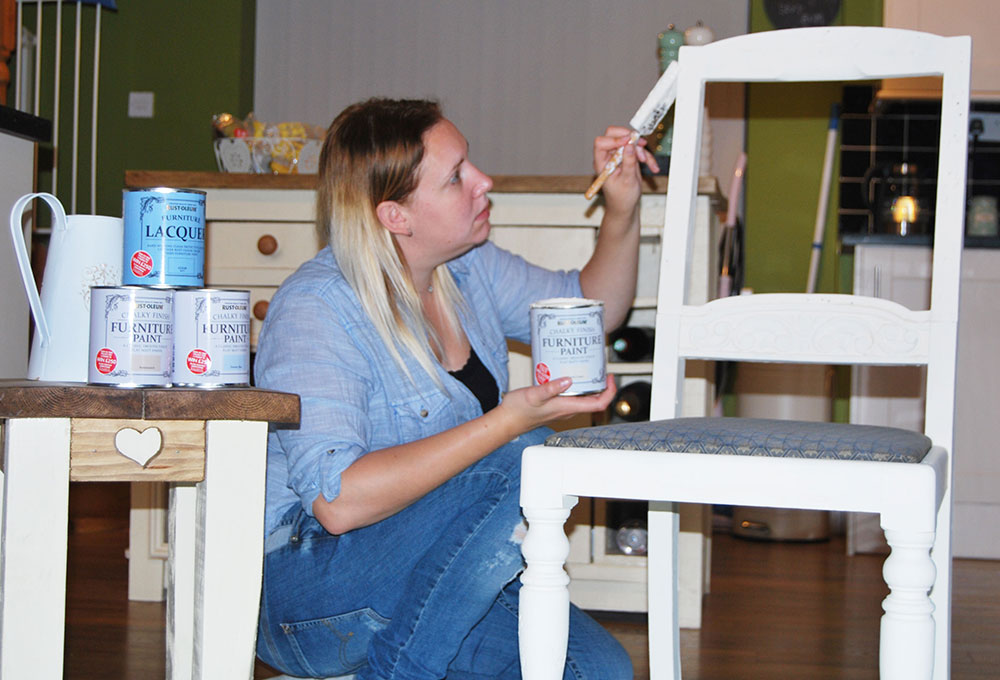 rust-oleum-paint-on-chair-furniture-upcycling-project