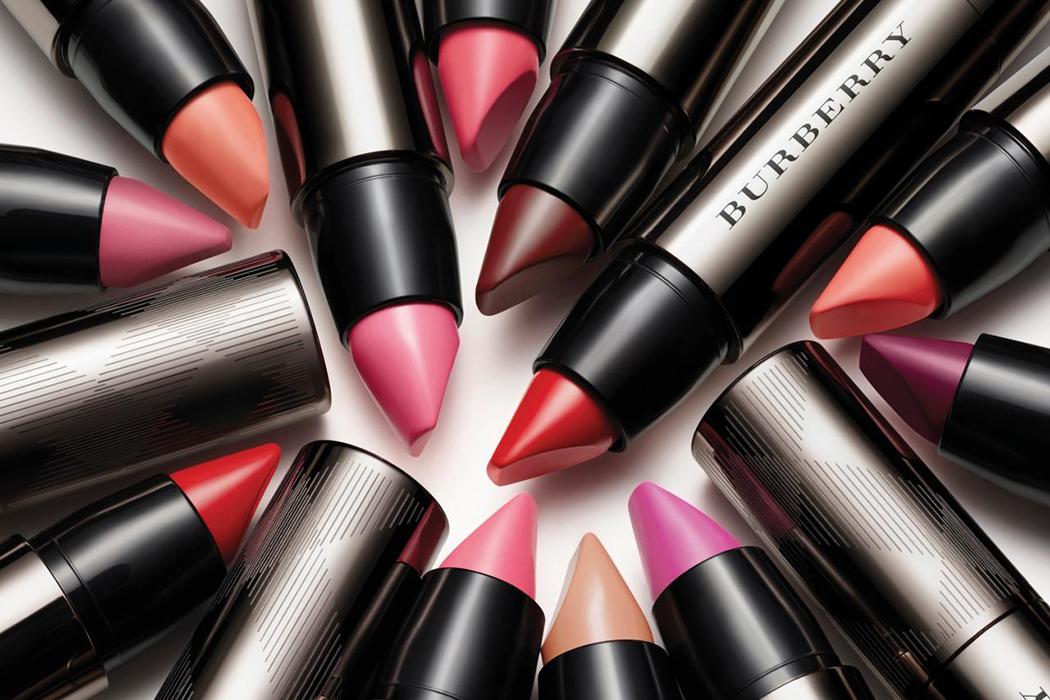 Burberry Full Kisses Review In The Spotlight