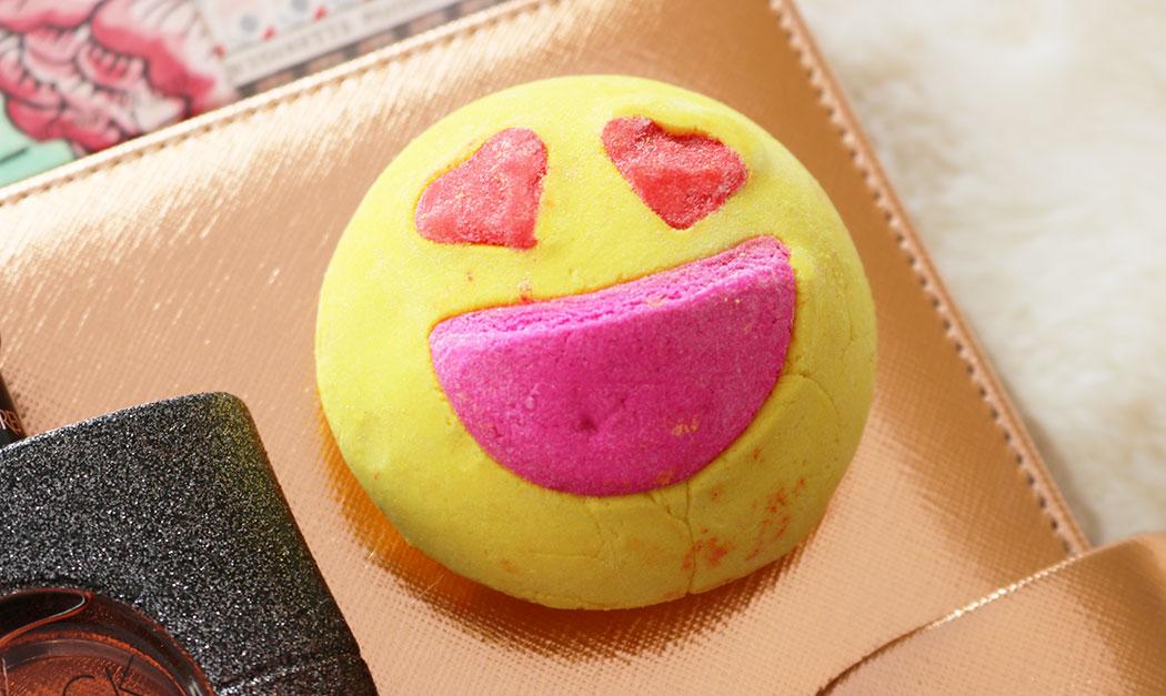 lush emoji bath bomb