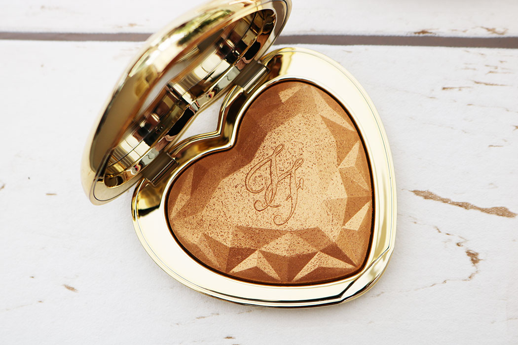 too faced heart shaped highlight