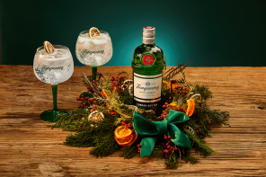 Seasonal delight as Tanqueray join forces with florist Grace & Thorn
